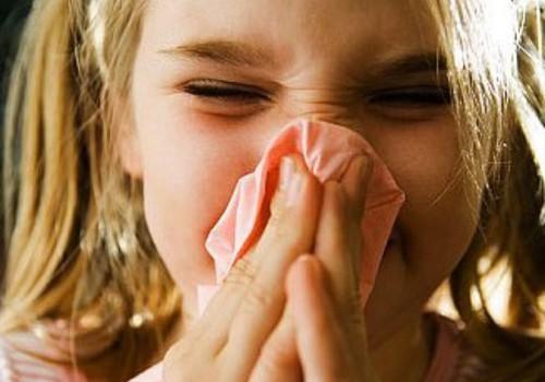 Kas nohune või köhiv laps peab lasteaiast koju jääma?
