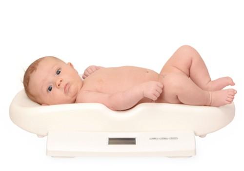 Kuidas ma tean, kas laps saab rinnapiimast kõhu täis?
