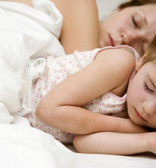 Emad elavad unepuuduses kuni kuus aastat lapse sünnist