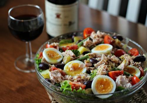 Õhtusöögiidee: Toitev ja tervislik Nizza salat