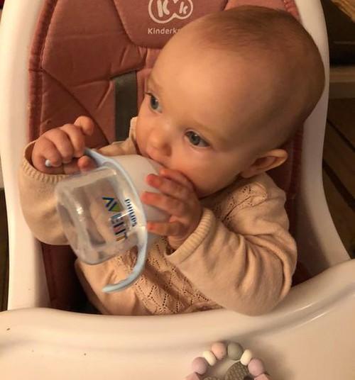 Philips Avent Natural harjutustassi testinud ema:  Laps saab seda ise korralikult käes hoida!