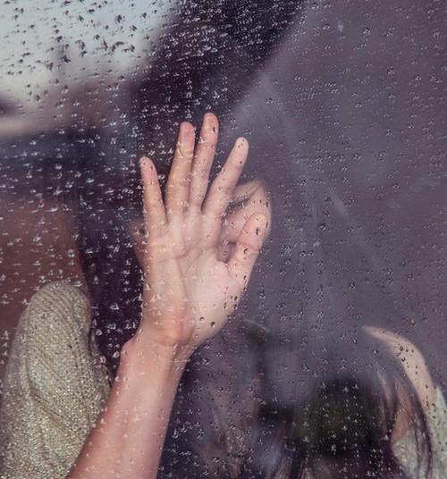 Mida tunnevad lähedased, kes on kaotanud pereliikme suitsiidi tõttu?