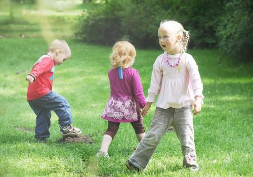 Seadusmuudatus: Lasteaias peab mudilasi valvama rohkem inimesi