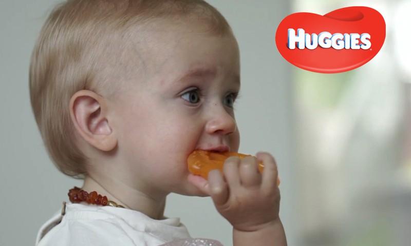 HUGGIES esitleb: Beebi areng 10. elukuul