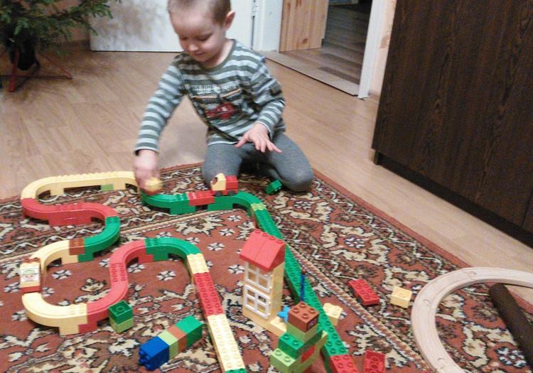 Robin ja  Lego Duplo