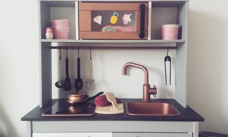 Inspireeriv Eesti lastetuba: Tuunitud Ikea köök