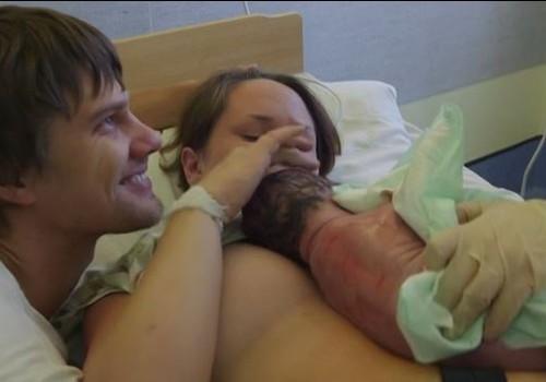 VIDEO! Beebipäevik: Stina ja Reigo tütre sünd