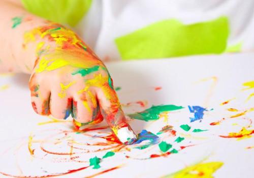 Huviringis osalemine on lapsele igati kasulik, kuid kunsti saab teha ka kodus