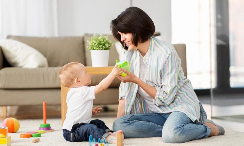Milline on üheaastase lapse kõne normaalne areng? Kuidas seda toetada?