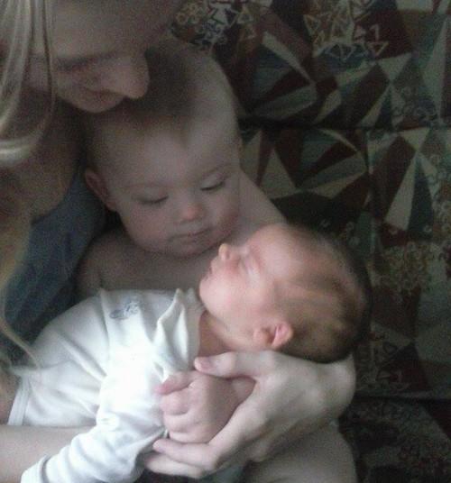 Emotsionaalselt raske kogemus - verinoor ema, üksi kodus kahe lapsega