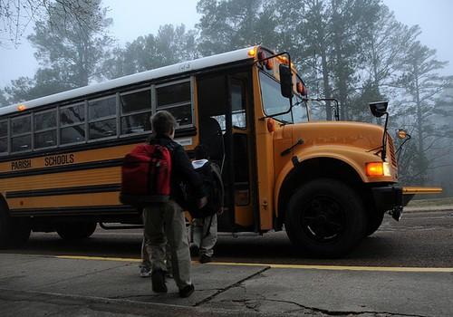 Nädala jooksul unustati erivajadusega laps bussi kaks korda