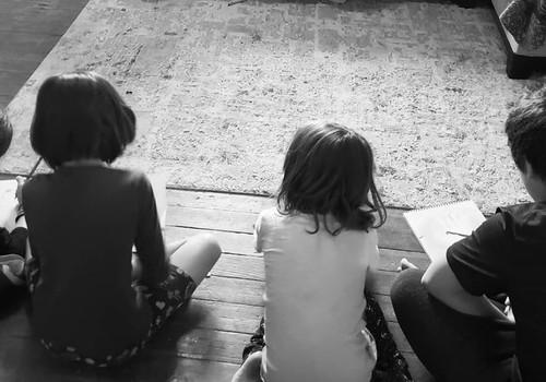 Vahva nipp, kuidas lastega kodus olles pisut puhata