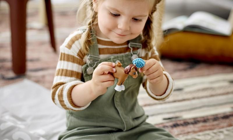 Kuidas kasvatada lapse vastupidavust ja enesekindlust? Parim viis – lõbutsedes!