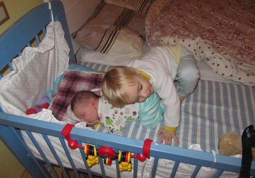 Väikelapse ja beebi ema: Ma olen nagu kiirabi!