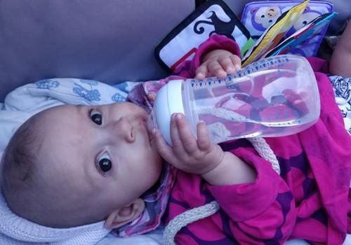 Viiekuuse beebi ema arvustus: Philips Avent Natural lutipudel