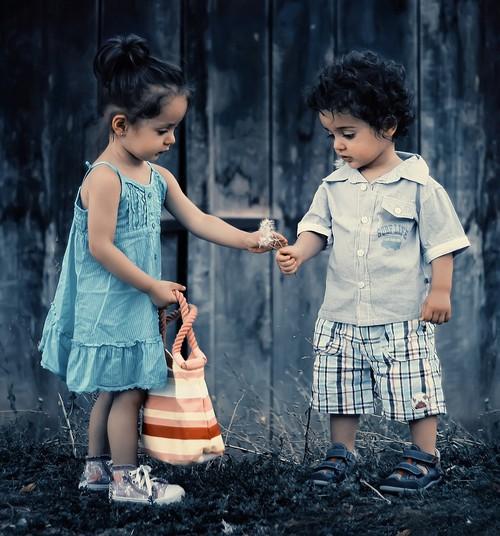 Seksuaalkasvatus on osa inimeseks kasvamisest, mis algab juba lapse sünnist