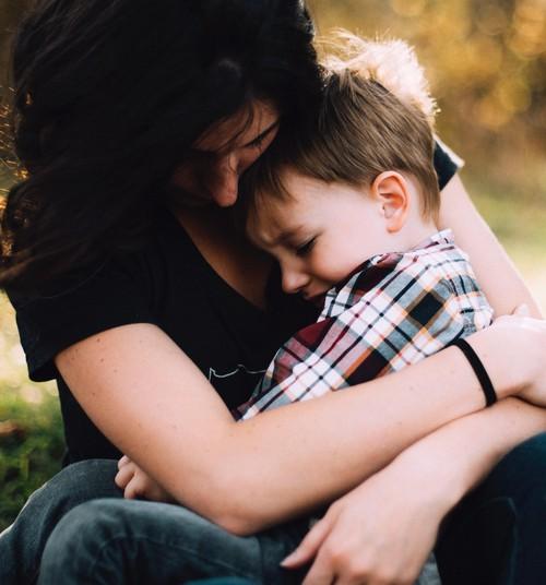 11 rahustavat lauset, mida nutvale lapsele öelda