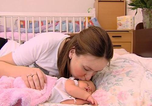 Ämmaemand Vivian Arusaar: kängurumoodi lapse kandmine aitab kaasa enneaegsete laste sensoorsele ja motoorsele arengule