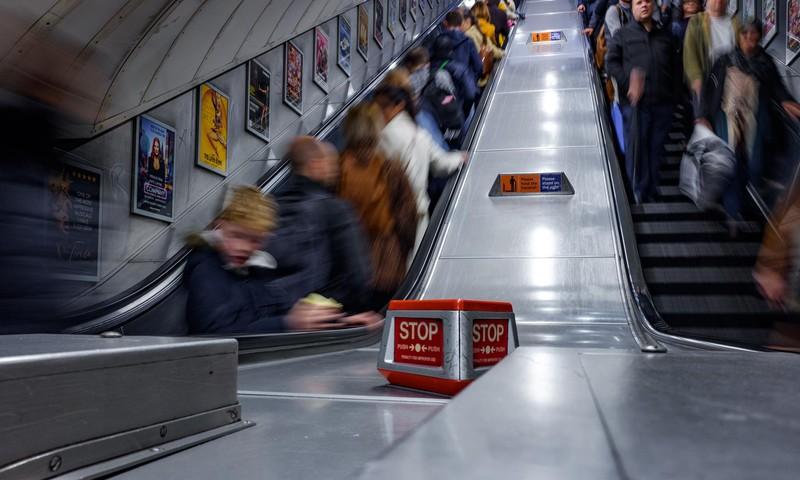 Solaris juhib vanemate tähelepanu laste ohutusele eskalaatoril