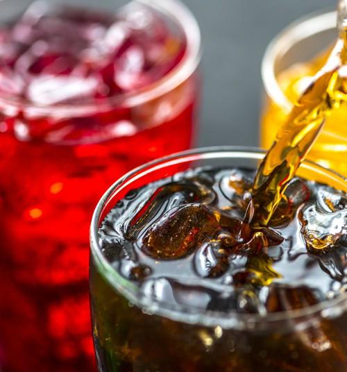 Uus seadus viib lasteaialaste toidulaualt magustatud joogid