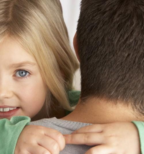 Seadused: Ema või isa ei tohi takistada lapse suhtlust teise vanemaga