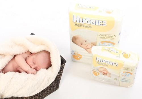 Vastsündinu esimesed 12 nädalat koos Huggies® Newborn mähkmetega