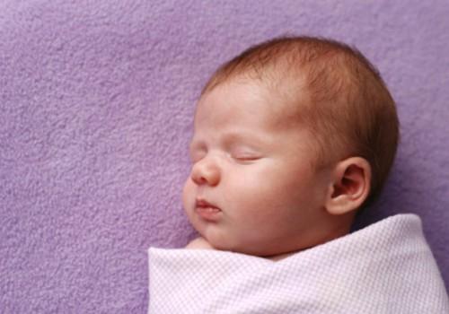 Kas vastsündinu peaks magama külili või selili?