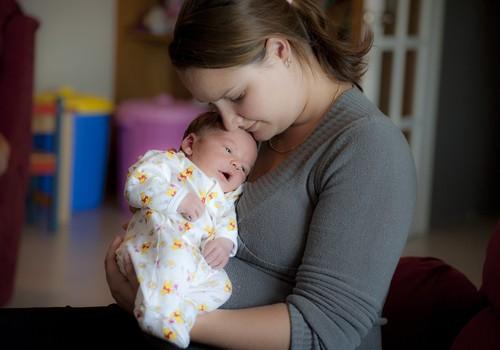 8 viisi, kuidas keha sind pärast sünnitust üllatada võib