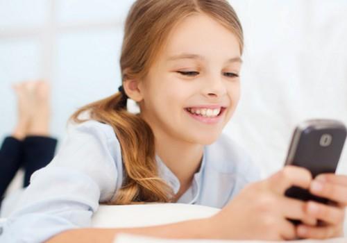 Tasuta rakendus aitab säästa nutiseadet vaatava lapse silmi