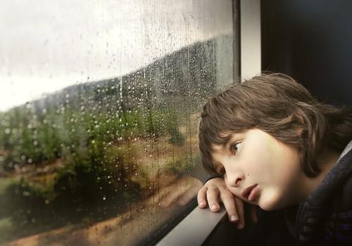 Lapsed helistavad oma murega abitelefonile, sest vanematel on niigi palju muresid