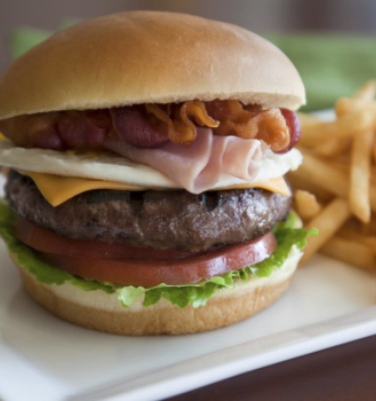 Toimetaja blogi: Rase naine - sööb kahe eest, muretseb kümne jagu?