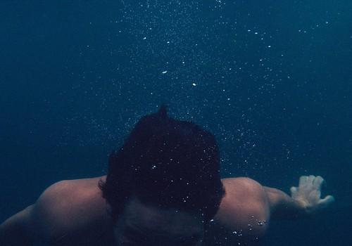 Elvas Verevi rannas päästis 16-aastane poiss veekogu põhjast noormehe