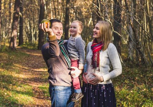 """Saame tuttavaks! """"Beebipäeviku"""" videosarja uued peategelased on Kätlin, Tambet, Jasper ja beebi"""