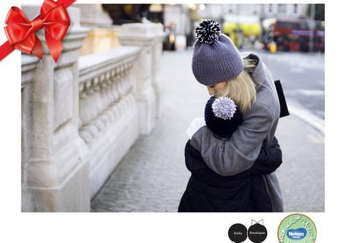 Huggies® pühadekingituste kataloog: Soojad, stiilsed, nähtavad mütsid - www.babyboutique.lt
