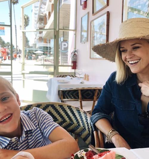 Kas saada lapsed nooremas või vanemas eas? Reese Witherspoon jagab oma kogemust