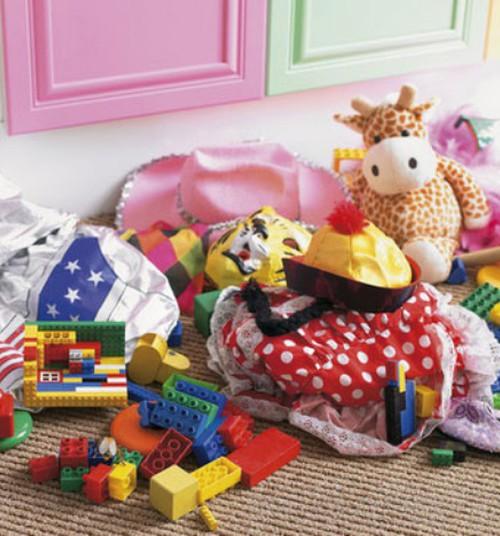Viis põhjust, miks väiksem arv mänguasju on lapsele kasulik