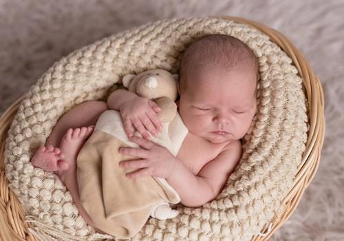 Kui palju vastsündinu magab?