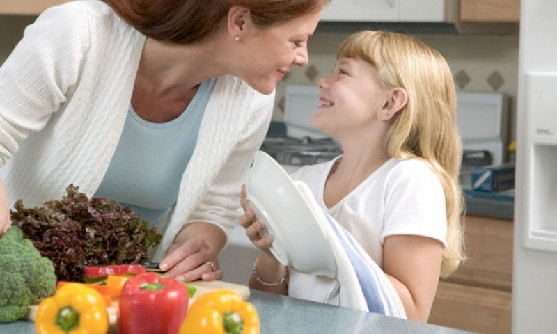 Kas ema peab oma perele kolm korda päevas süüa tegema?