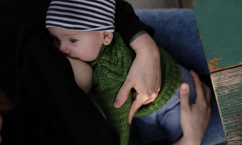 Eesti beebid saavad üha enam rinnapiima, kuid liiga vara selle kõrvale ka lisatoitu