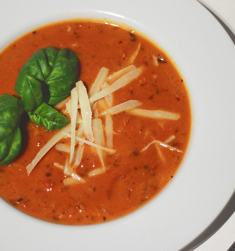 Õhtusöögiidee: Lihtne ja kiire tomatisupp