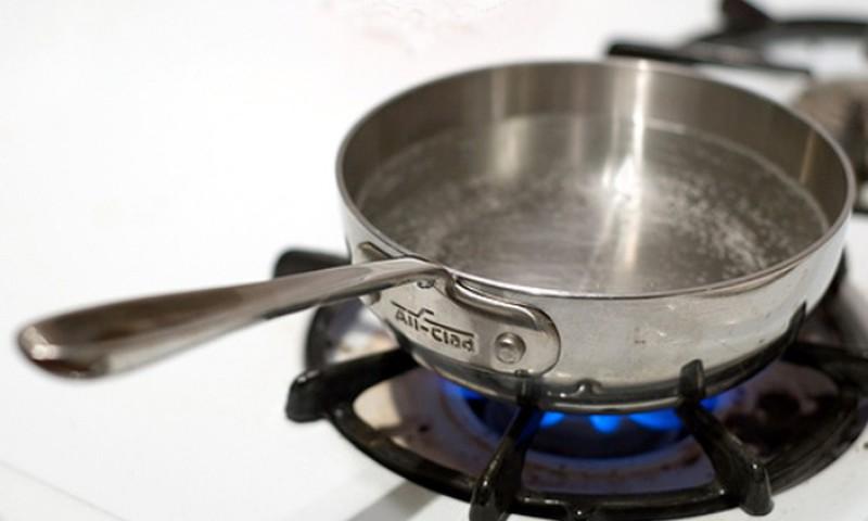 Põletushaava tuleb kiirelt jahutada veega, jääd kasutada ei tohi