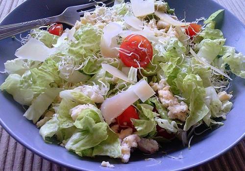 Toitev salat hommikusöögiks