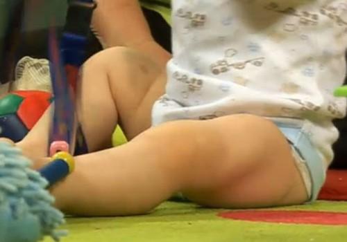 VIDEO! Huggies Pants püksmähkmed poistele ja  tüdrukutele esitleb:  Väikelapse areng samm-sammult: 1. osa – Istumine.