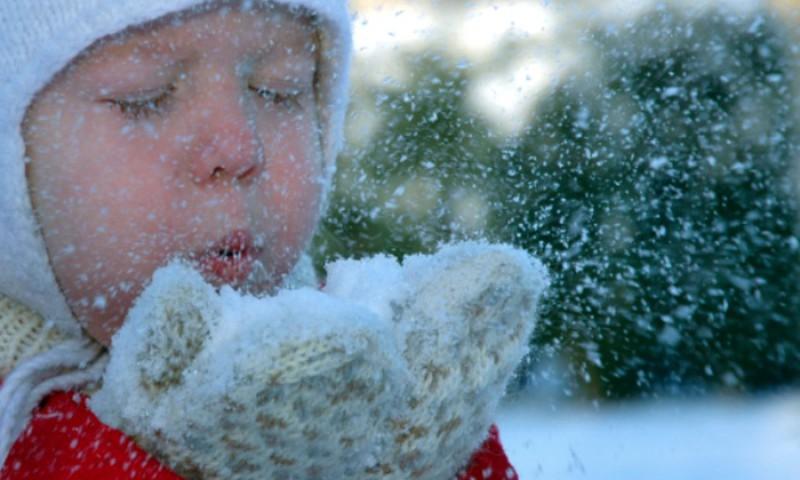 Kui külma ilmaga võib või peaks lapsed koolist koju jätma?