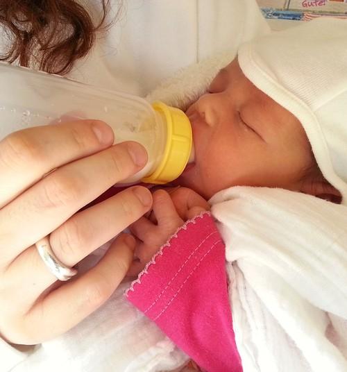 Enneaegsele lapsele on meditsiinilise abi kõrval väga tähtis ka rinnapiim