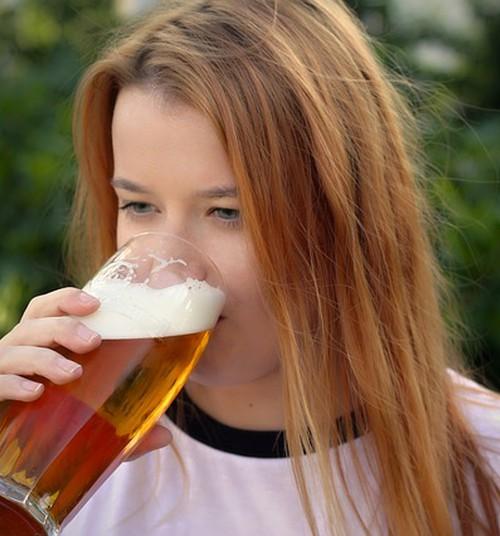 """""""Olin 14, kui isa ostis mulle alkoholi"""""""