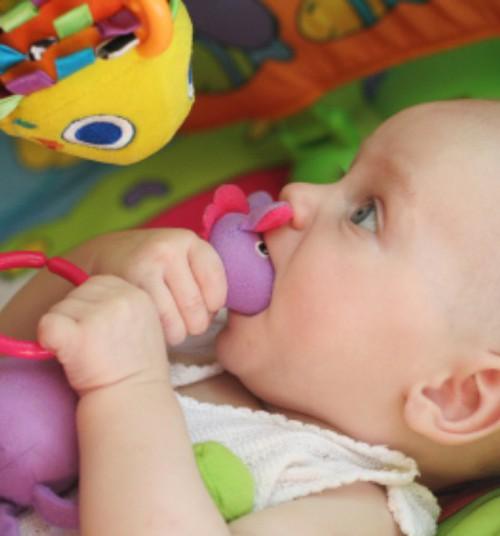 Elektroonilised beebimänguasjad mõjuvad lapse kõneoskusele halvasti