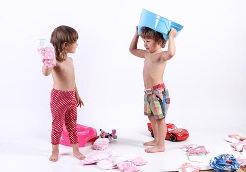 Teadlane: Suuna oma tütart legode, mitte barbidega mängima!
