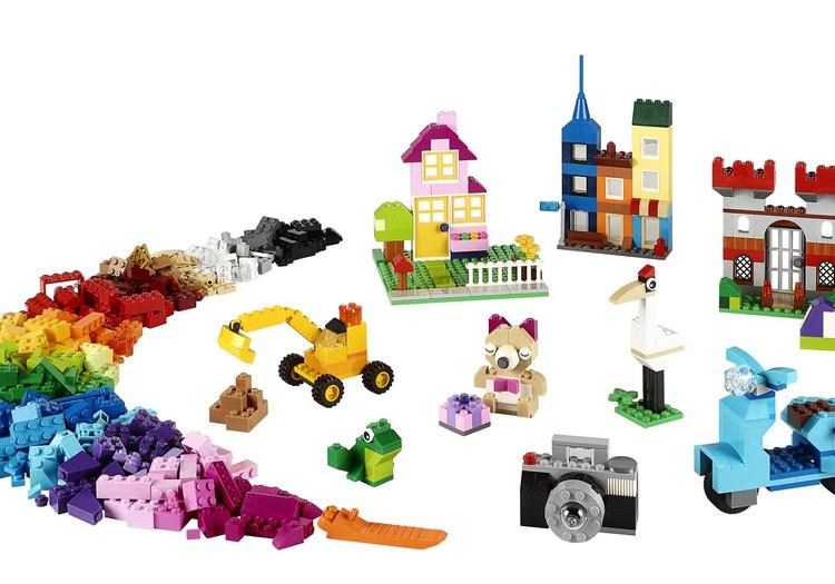 LEGO kutsub: #RebuildTheWorld