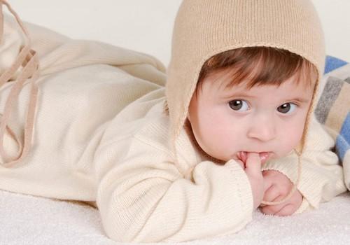 Kaitse oma beebi põskesid!